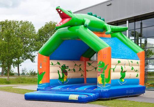 Super springkussen overdekt kopen in krokodil  thema voor kinderen. Koop springkussen online bij JB Inflatables Nederland