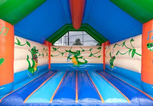 Groot krokodil super springkasteel overdekt te koop met vrolijke animaties voor kinderen. Bestel springkastelen online bij JB Inflatables Nederland