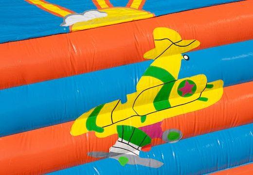 Super springkussen overdekt kopen in thema vliegtuig voor kinderen.  Bestel springkussens online bij JB Inflatables Nederland