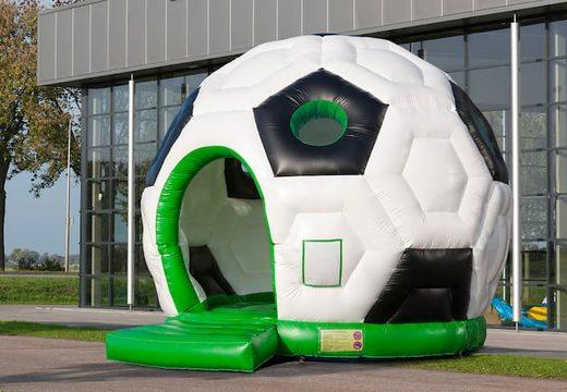 Grote ronde springkussen overdekt kopen in voetbal thema voor kinderen. Bestel springkussens online bij JB Inflatables Nederland