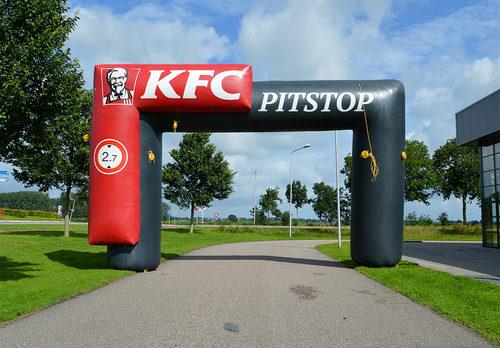 Maatwerk KFC reclamebogen voor alle evenementen te koop. Bestel op maat gemaakte opblaasbare reclamebogen bij JB Promotions Nederland