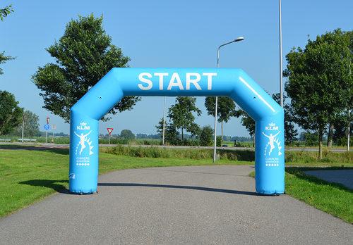 Bestel op maat gemaakte KLM start & finishboog voor sport evenementen bij JB Promotions Nederland. Vraag nu gratis ontwerp aan voor opblaasbare reclameboog in eigen huisstijl