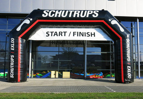Bestel maatwerk schutrups start & finishbogen voor evenementen bij JB Promotions Nederland. Vraag nu gratis ontwerp aan voor op maat gemaakte opblaasbare reclameboog