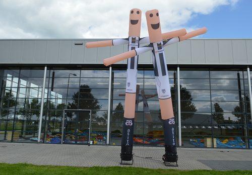 Gepersonaliseerde Heracles skydancer in voetbaltenue laten maken bij JB Promotions. Promotionele inflatable tubes in alle soorten en maten razendsnel op maat gemaakt