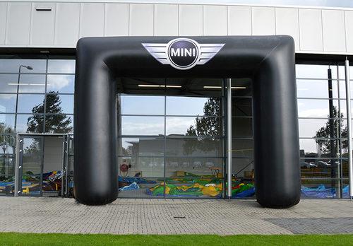 Op maat gemaakte gepersonaliseerde mini cooper opblaasbare start & finishboog kopen bij JB Promotions Nederland. Bestel nu op maat gemaakte opblaasbare reclame bogen