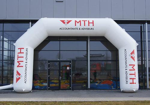 Koop gepersonaliseerde opblaasbare MTH start & finishboog bij JB Inflatables Nederland online. Vraag nu gratis ontwerp aan voor opblaasbare reclameboog in eigen huisstijl
